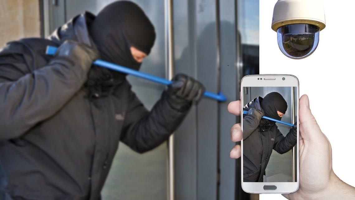 Wie schützen sich Hausbewohner vor Einbrechern? Die besten Tipps!